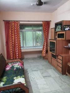 Gallery Cover Image of 320 Sq.ft 1 RK Apartment for rent in Malad West for 17000