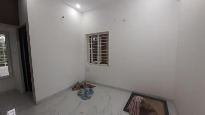 Gallery Cover Image of 920 Sq.ft 2 BHK Independent House for rent in Nandambakkam for 15500