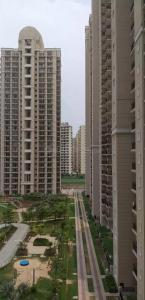 Gallery Cover Image of 2300 Sq.ft 3 BHK Apartment for rent in Zeta I Greater Noida for 23000