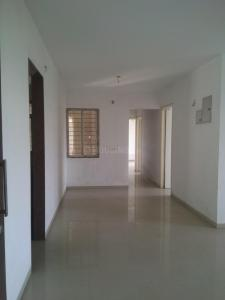 Gallery Cover Image of 1025 Sq.ft 2 BHK Apartment for rent in Mhatre Nagar for 12500
