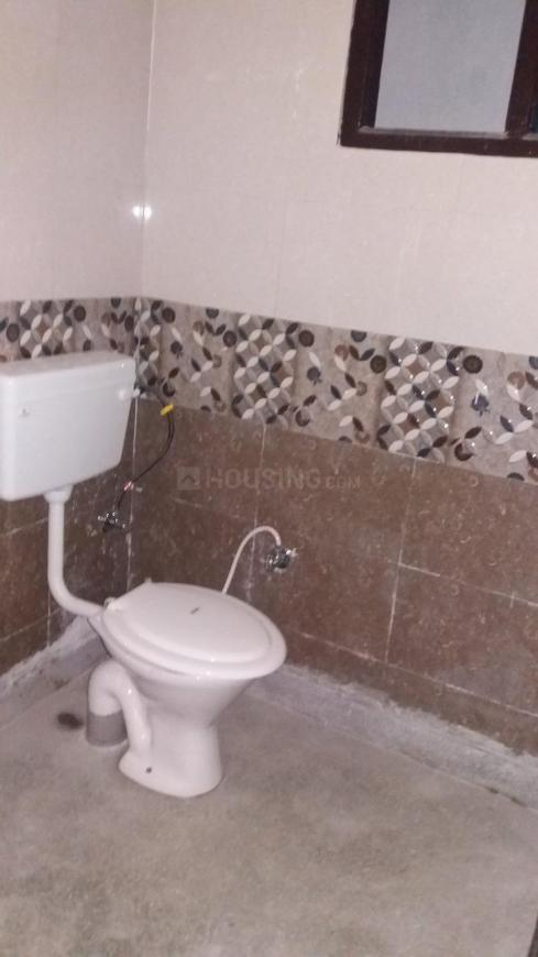 Common Bathroom Image of 780 Sq.ft 2 BHK Independent Floor for rent in Sector 19 Dwarka for 14000