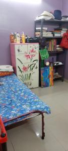 Bedroom Image of PG 7420107 Maniktala in Maniktala