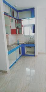 Gallery Cover Image of 1005 Sq.ft 2 BHK Apartment for rent in Omicron III Greater Noida for 10000