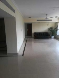Gallery Cover Image of 3000 Sq.ft 4 BHK Independent Floor for rent in Prabhadevi for 300000