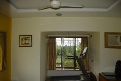 Gallery Cover Image of 2000 Sq.ft 4 BHK Independent Floor for buy in Juhu for 70000000