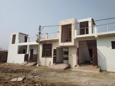 Gallery Cover Image of 950 Sq.ft 3 BHK Independent House for buy in Noida Extension for 4010000
