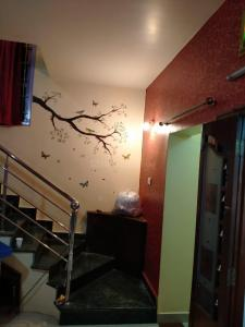 Gallery Cover Image of 1900 Sq.ft 3 BHK Villa for rent in Hosur Municipality for 25000