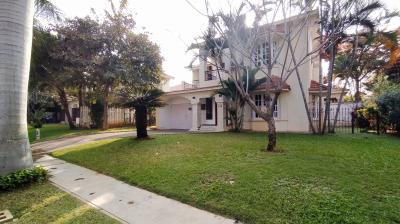 Gallery Cover Image of 2325 Sq.ft 3 BHK Villa for buy in Adarsh Palm Meadows, Whitefield for 40000000