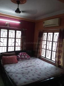 Gallery Cover Image of 650 Sq.ft 2 BHK Apartment for buy in Behala for 2000000