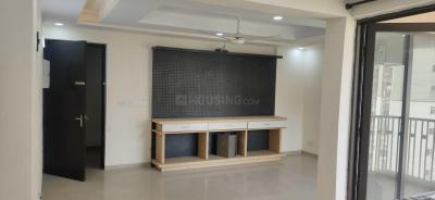 Gallery Cover Image of 1550 Sq.ft 3 BHK Apartment for rent in Jaypee Greens Kensington Park, Sector 133 for 12000