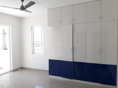 Gallery Cover Image of 1850 Sq.ft 3 BHK Apartment for rent in Pallikaranai for 23500