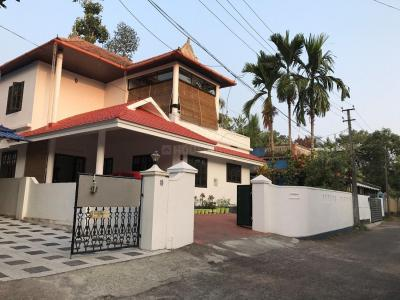 Gallery Cover Image of 2400 Sq.ft 4 BHK Independent House for buy in Chottanikkara for 13000000