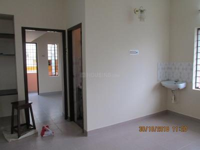 Gallery Cover Image of 620 Sq.ft 1 BHK Apartment for rent in Velachery for 10000
