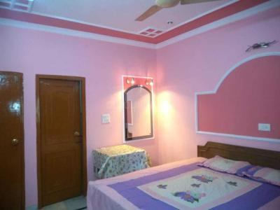 Gallery Cover Image of 1000 Sq.ft 2 BHK Apartment for rent in Rajouri Garden for 25000