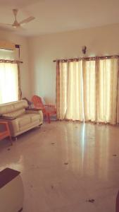 Gallery Cover Image of 5000 Sq.ft 4 BHK Independent House for rent in Neelankarai for 180000