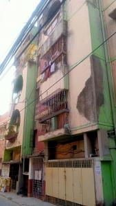 Gallery Cover Image of 700 Sq.ft 2 BHK Independent Floor for buy in Lake Town for 3000000