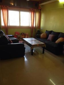 Gallery Cover Image of 927 Sq.ft 2 BHK Apartment for rent in Goyal Intercity, Thaltej for 21000