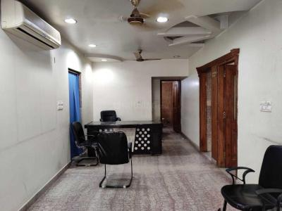 Gallery Cover Image of 2000 Sq.ft 4 BHK Apartment for rent in Sector 22 Dwarka for 32000