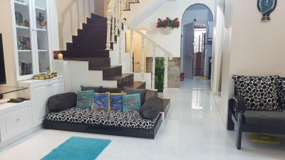 Gallery Cover Image of 2100 Sq.ft 4 BHK Independent House for buy in Kandivali West for 32600000