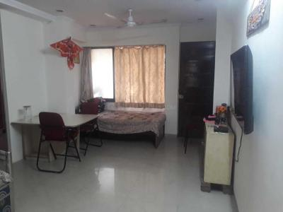 Gallery Cover Image of 800 Sq.ft 2 BHK Apartment for rent in Shree Kumar CHS, Vile Parle East for 47000