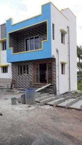 Gallery Cover Image of 650 Sq.ft 2 BHK Villa for buy in Kelambakkam for 3100000