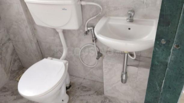 Common Bathroom Image of 780 Sq.ft 3 BHK Apartment for rent in Bebadohal for 10000