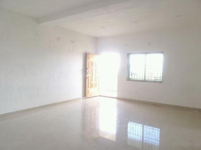 Gallery Cover Image of 950 Sq.ft 2 BHK Apartment for rent in Singasandra for 18000