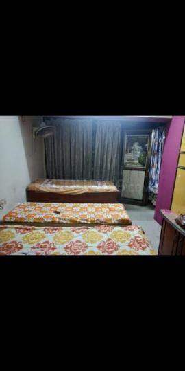 दादर ईस्ट में निधि पेइंग गेस्ट इन दादर मुंबई के बेडरूम की तस्वीर