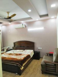 Gallery Cover Image of 2000 Sq.ft 3 BHK Apartment for rent in DLF Phase 1 for 55000