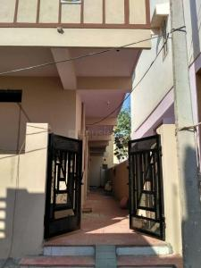 Gallery Cover Image of 600 Sq.ft 1 BHK Independent Floor for rent in Borabanda for 8000