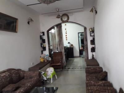Gallery Cover Image of 1260 Sq.ft 3 BHK Independent Floor for buy in Paschim Vihar for 14000000
