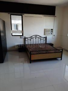 Gallery Cover Image of 1700 Sq.ft 3 BHK Apartment for rent in Kondhwa for 22000