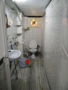 Bathroom Image of PG 4314346 Santoshpur in Santoshpur