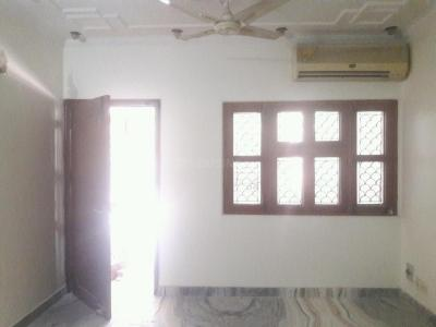 Gallery Cover Image of 2200 Sq.ft 3 BHK Apartment for buy in C9, Vasant Kunj for 40000000