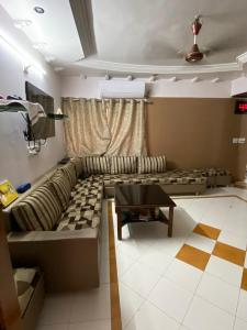 Gallery Cover Image of 2610 Sq.ft 3 BHK Apartment for buy in Prahlad Nagar for 14500000