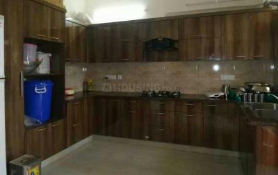 Kitchen Image of Vaishno PG in Sector 45