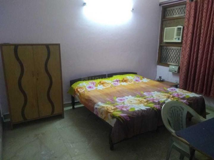 साउथ  एक्सटेंशन आई में बॉइज़ एंड गर्ल्स पीजी में बेडरूम की तस्वीर
