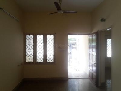 Gallery Cover Image of 1200 Sq.ft 2 BHK Independent House for rent in Nanganallur for 18000