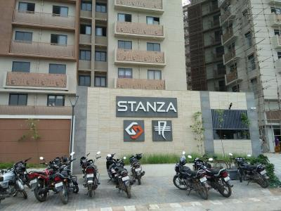 Gallery Cover Image of 1250 Sq.ft 3 BHK Apartment for rent in  Stanza, Shela for 15001