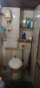 Gallery Cover Image of 350 Sq.ft 1 RK Apartment for rent in Mahim for 22000