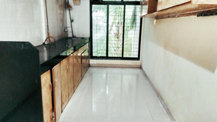 Kitchen Image of 900 Sq.ft 2 BHK Apartment for rent in Borivali West for 28000