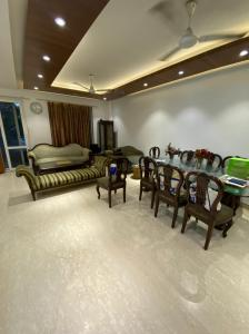 Gallery Cover Image of 2000 Sq.ft 3 BHK Independent Floor for buy in Gulmohar Park for 65000000