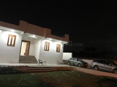 Gallery Cover Image of 5200 Sq.ft 3 BHK Independent Floor for rent in Vasant Kunj for 120000
