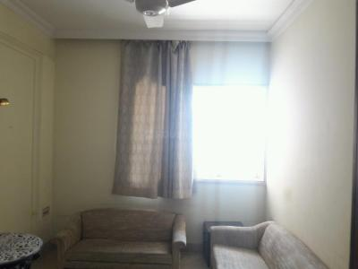 Gallery Cover Image of 650 Sq.ft 1 BHK Apartment for rent in Colaba for 60000