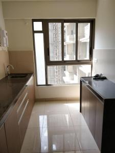 Gallery Cover Image of 1053 Sq.ft 2 BHK Apartment for rent in Ghatkopar West for 45500
