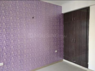 Gallery Cover Image of 2110 Sq.ft 3 BHK Apartment for rent in Sunshine Sunshine Helios, Sector 78 for 40000