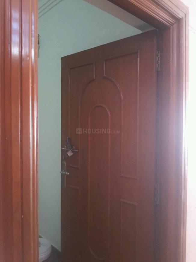 Main Entrance Image of 500 Sq.ft 1 BHK Apartment for rent in Velachery for 10000