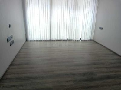 Gallery Cover Image of 440 Sq.ft 2 BHK Apartment for rent in Vile Parle West for 60000