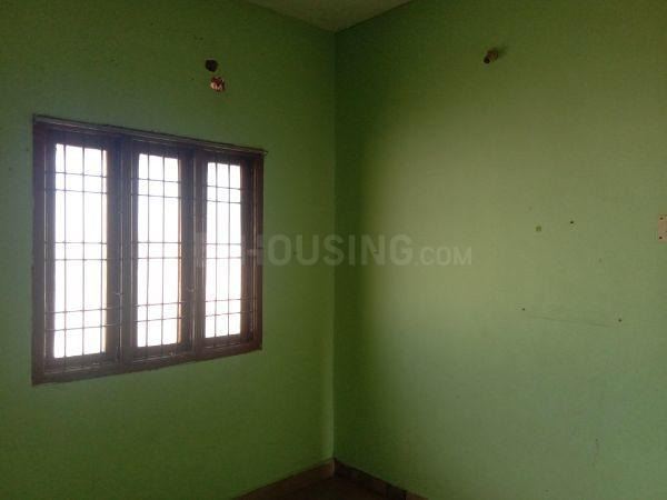 Bedroom Image of 600 Sq.ft 2 BHK Apartment for rent in Kattupakkam for 7000