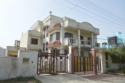 Gallery Cover Image of 1260 Sq.ft 2 BHK Independent House for rent in Sector 10A for 15000